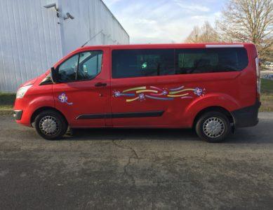 Ford Transit Kombi rallongé L2H1Pré-réservation uniquement