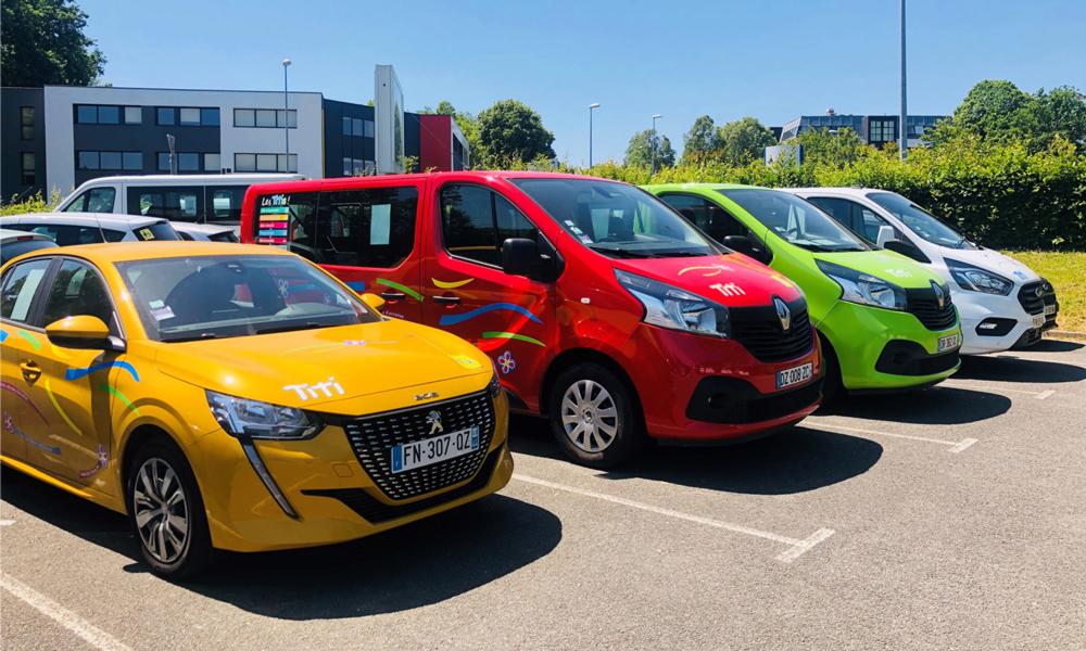 Véhicules colorés Titi Floris - voitures d'occasion